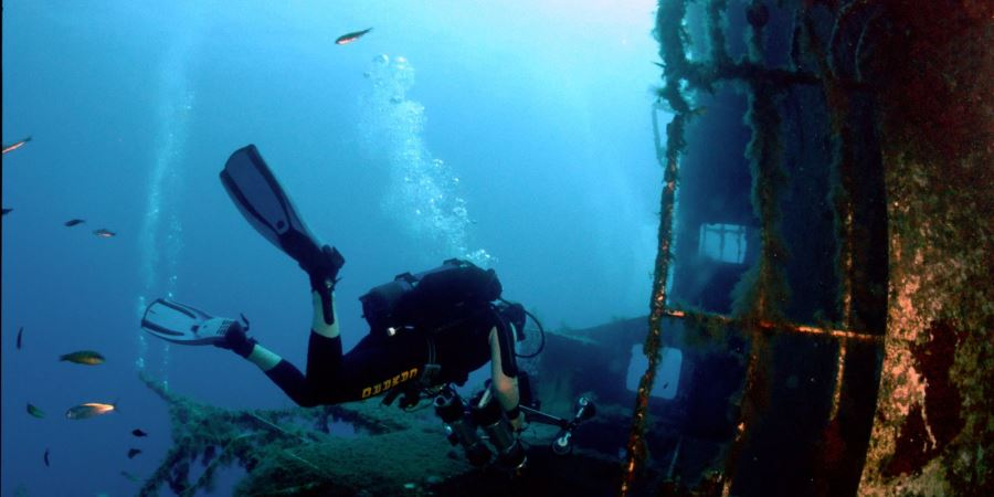 Scuba-diving-at-MS-Zenobia-Wreck1